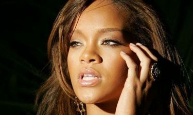 Rihanna: Μιλά για πρώτη φορά για την επανασύνδεσή της με τον Κρις Μπράουν