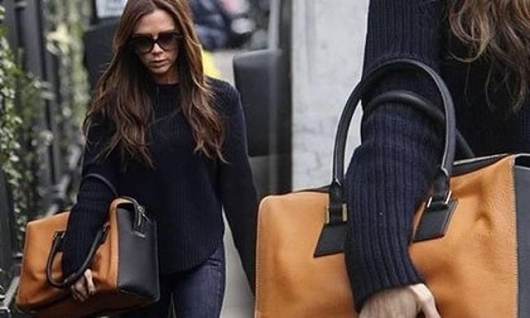 Victoria Beckham: με την τσαντάρα της ανά χείρας στο Λονδίνο