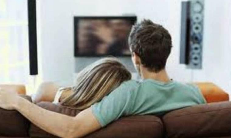 Ζευγάρι κάθισε να δει τηλεόραση και έζησε το δικό του θρίλερ