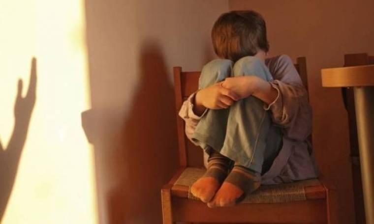 Συμβουλές-ΣΟΚ από την παιδόφιλη καθηγήτρια για αποπλάνηση ανηλίκου!