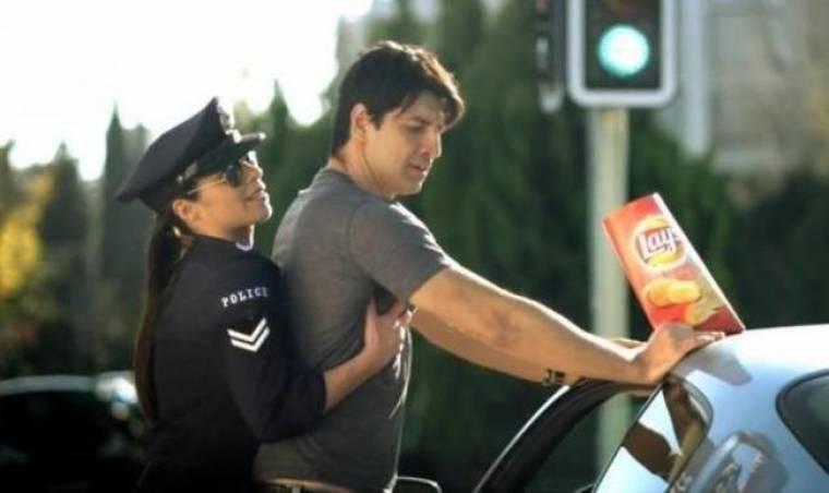 Ελίνα Μάλαμα: Η σέξι αστυνομικός που έκανε σωματικό έλεγχο στον Ρουβά!