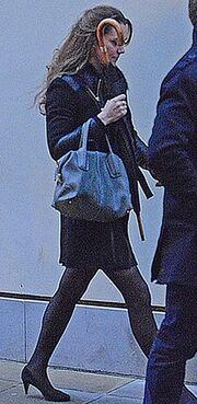Δείτε πρώτη φορά την Kate Middleton με φουσκωμένη κοιλίτσα!