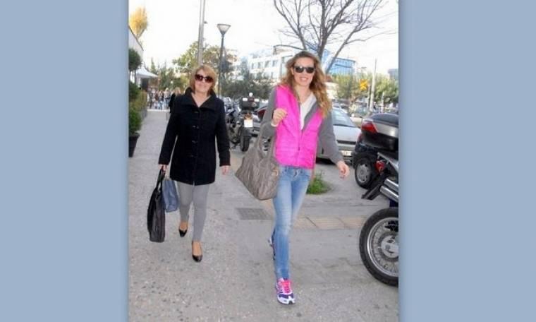 Μαριέττα Χρουσαλά: Με την μαμά της για ψώνια και καφέ