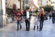 Στέλλα Μπεζαντάκου: Βόλτα με τον αγαπημένο της και τα παιδιά του
