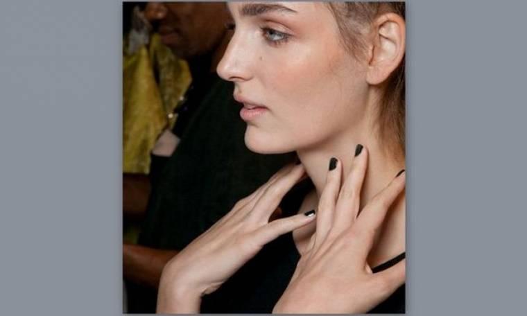 Πώς θα κάνετε το τέλειο mani: Tips από τον celebrity nail expert Tom Bachik