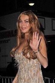 Αγνώριστη η Lindsay Lohan! Πρησμένη και κουρασμένη!