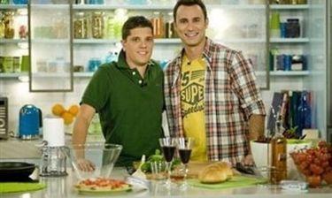 Επιστρέφει στην κουζίνα ο Γιώργος Καπουτζίδης!