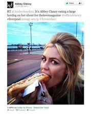 Η ανορεξική φωτογραφία της προκάλεσε αντιδράσεις στους φίλους της στο twitter