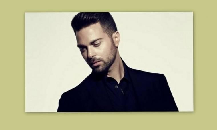 Ηλίας Βρεττός: «Στον χώρο της showbiz μπαίνεις δύσκολα επειδή υπάρχουν κλίκες»