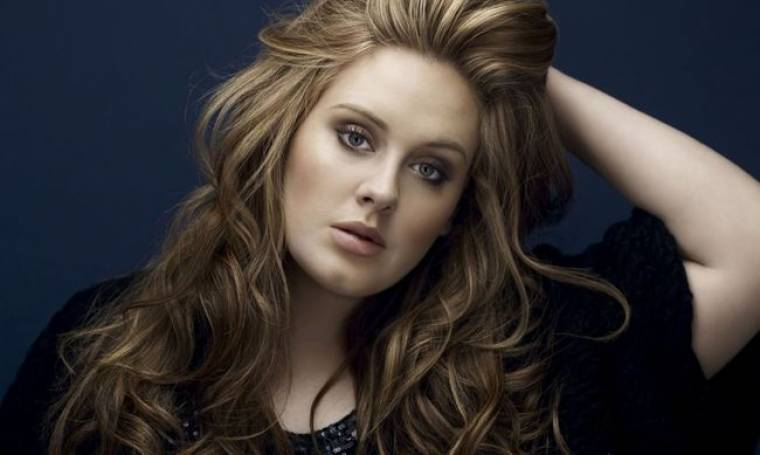 Adele: Βγάζει 48.500 ευρώ την ημέρα!
