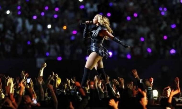 Αποσύρθηκαν οι «μη κολακευτικές» φωτογραφίες της Beyonce!