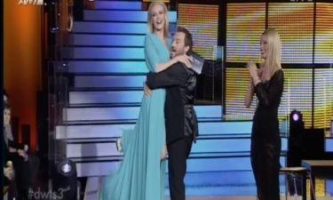 Ο Χρήστος Φερεντίνος σήκωσε αγκαλιά την Ζέτα Μακρυπούλια