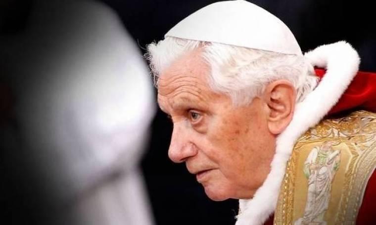 ΒΟΜΒΑ: Παραιτείται ο Πάπας Βενέδικτος