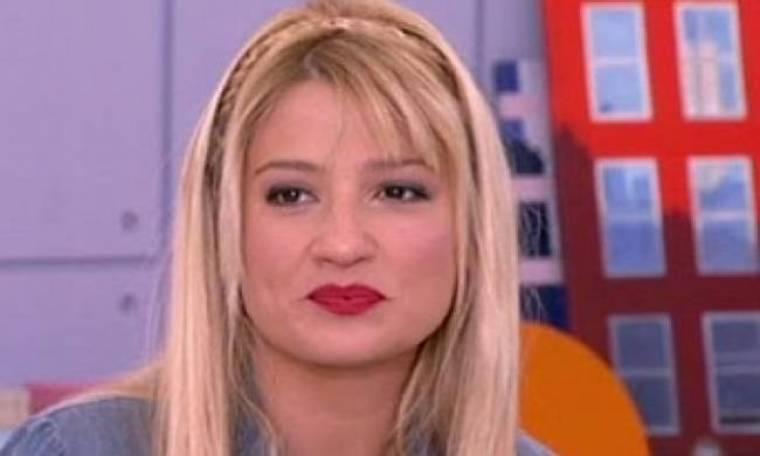 Φαίη Σκορδά: Έχει αδυναμία στο κόκκινο κραγιόν