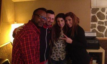Η Έλενα Παπαρίζου στο studio με τους Vegas