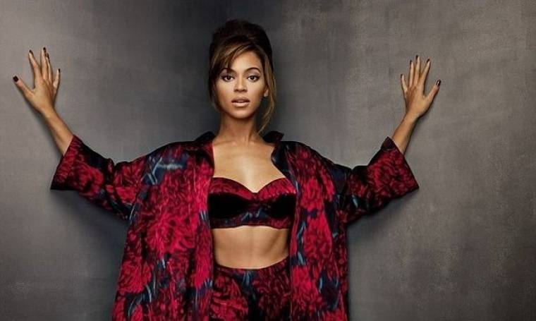 Beyonce: Ποζάρει με τα εσώρουχα και μιλάει για τη γέννηση της κόρης της