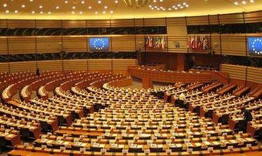 Ξοδεύουν εκατομμύρια για καφέδες και σνακ στο Ευρωκοινοβούλιο!