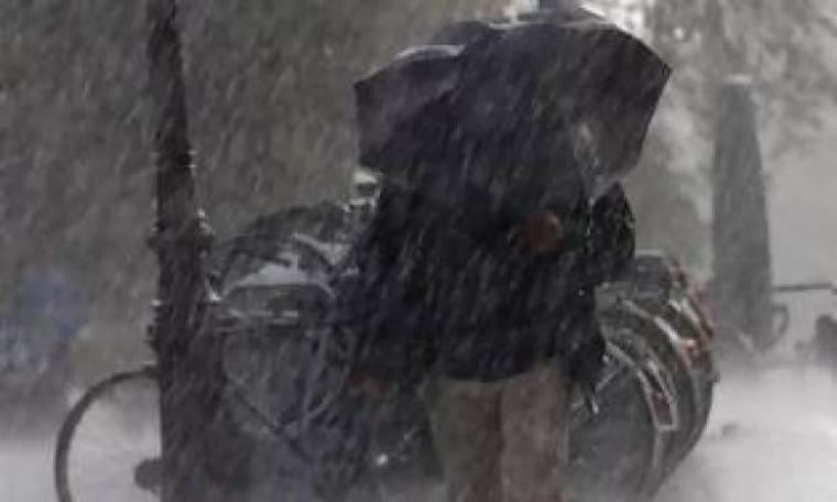 Έρχονται χιόνια και καταιγίδες – Δείτε πού θα «χτυπήσει» η κακοκαιρία
