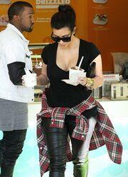 Τι σου κάνουν οι λιγούρες Kim!