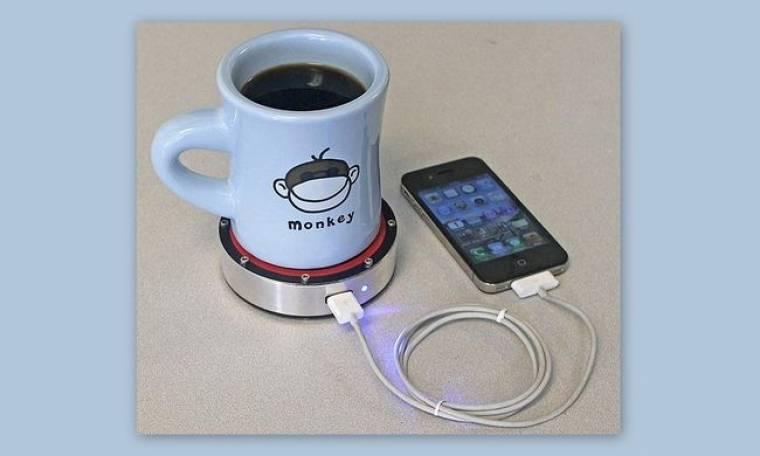 Απίστευτο Gadget: Φορτίζεις το κινητό σου πίνοντας καφέ
