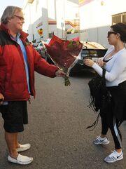 Τα λουλούδια στην Kim από τον… Και δεν είναι ο Kanye West!