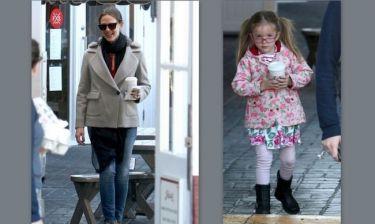 Jennifer Garner: Ζεστή σοκολάτα και βόλτα στον ήλιο με την μεγάλη της κόρη!
