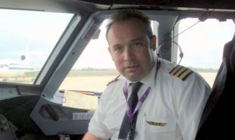 Κώστας Μακεδόνας: Ξανά στο πιλοτήριο!