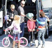 Heidi Klum: Βόλτα με τα παιδιά και τον αγαπημένο της