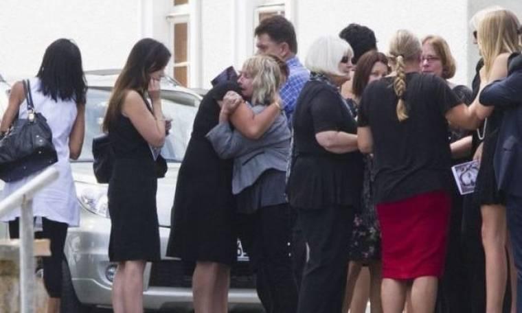 Θρήνος στην κηδεία της αδικοχαμένης Reeva Steenkamp