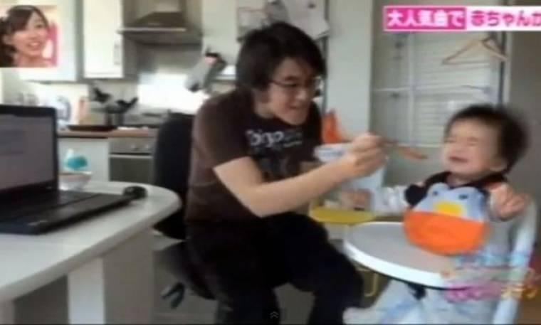 Τρώει μόνο όταν ακούει το Gangnam style!