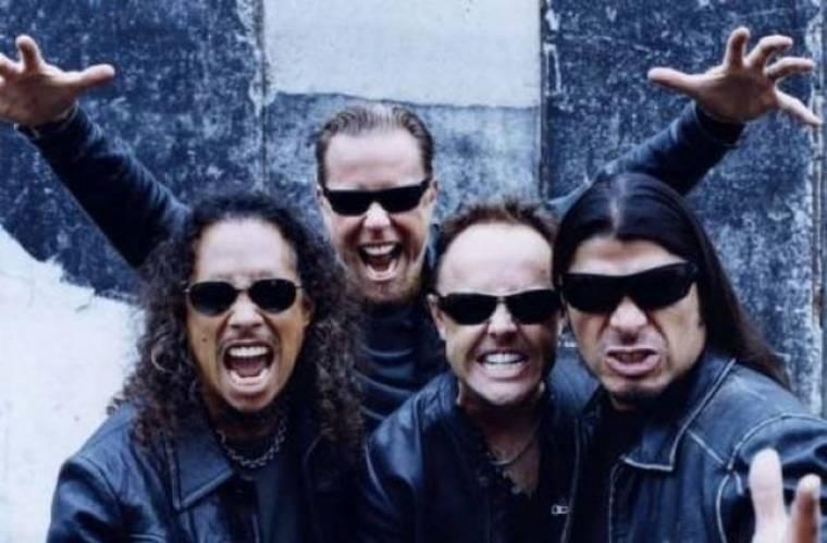 «Βασανίζουν» κρατούμενους με Metallica;