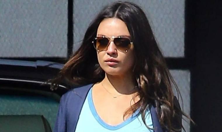 Mila Kunis: Έκανε τα ψώνια της δίχως σουτιέν!