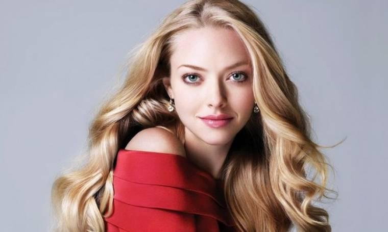 Amanda Seyfried: «Επιλέγω να κάνω σχέση με τους πιο περίεργους άντρες»