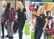 Θρασκιά-Συνατσάκη: Βόλτα στα μαγαζιά για τις δυο φίλες
