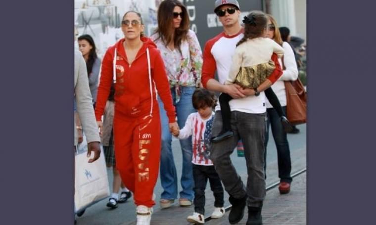 Jennifer Lopez: Για ψώνια με τον Casper Smart και τα παιδιά της(φωτό)