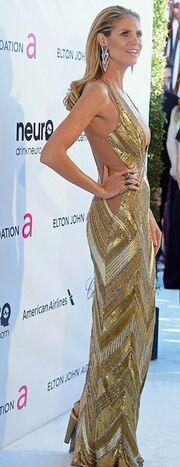 Η σέξι εμφάνιση της Heidi Klum σε πάρτι των βραβείων Όσκαρ