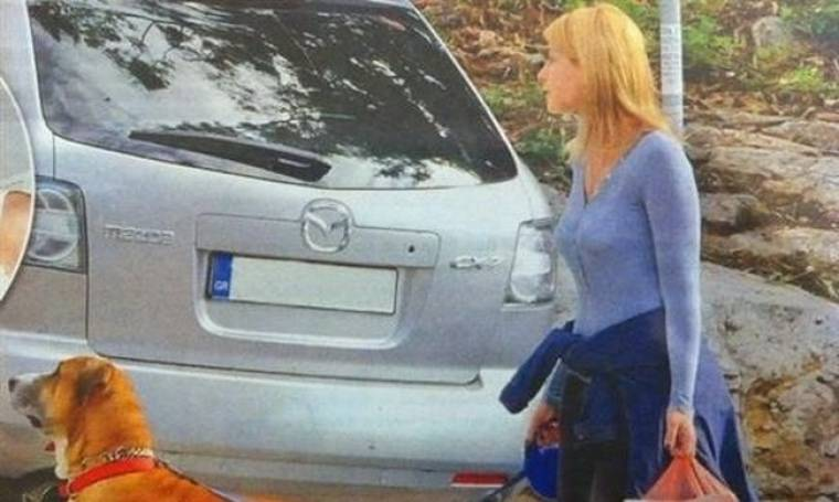 Σία Κοσιώνη: Η παρουσιάστρια ειδήσεων τα «καβούρια» και το παράνομο parking!!! (Nassos blog)