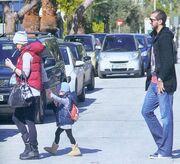 Αλέκα Καμηλά-Μπέτυ Μαγγίρα: Βόλτα με τα παιδιά τους