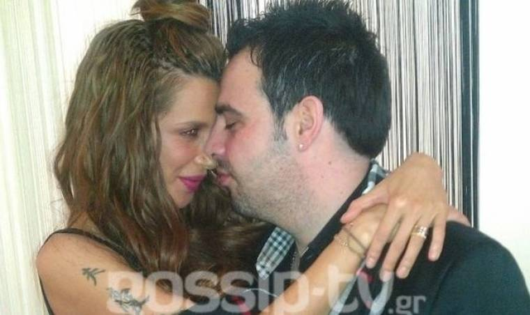 Φωτό Πάολα: Δείτε «γούστα» που βγάζει με θαυμαστές στο καμαρίνι της! (Nassos blog)