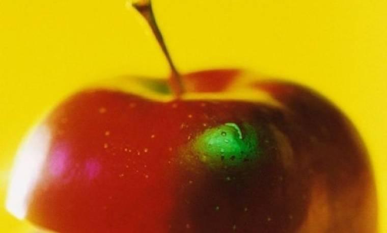 Γιατί δεν πρέπει να βγάζετε τη φλούδα από τα φρούτα