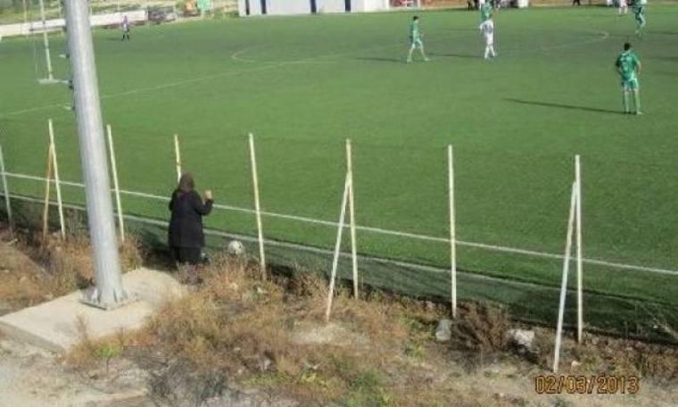 Η... γιαγιά πάει γήπεδο και προσεύχεται για τον Ραύκο (photos)