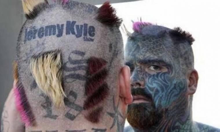 Έχει κάνει τατουάζ ακόμα και στο μάτι του - Δείτε πώς ήταν πριν (pics)