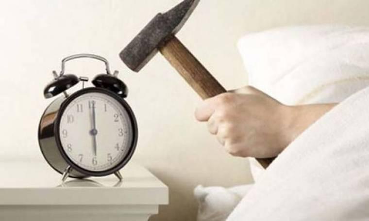 8 κόλπα για να αντιμετωπίσετε το πρωινό ξύπνημα