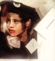 T-Shirt με το πρόσωπο της Rihanna!