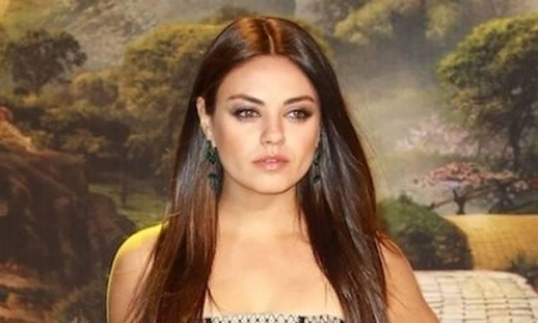 Αντιγράψτε το look: Τα λαμπερά, ολόισια μαλλιά της Mila Kunis
