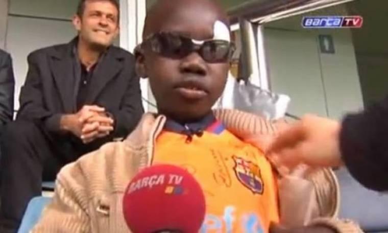 Μπαρτσελόνα: Τυφλό αγόρι αναγνωρίζει τους παίκτες μόνο με το άγγιγμα! (video)