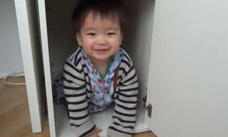 Βίντεο: «Γιούπι! Κλείστηκα στο ντουλάπι»