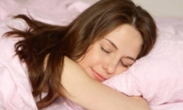 5 λόγοι για να κοιμάστε γυμνές!