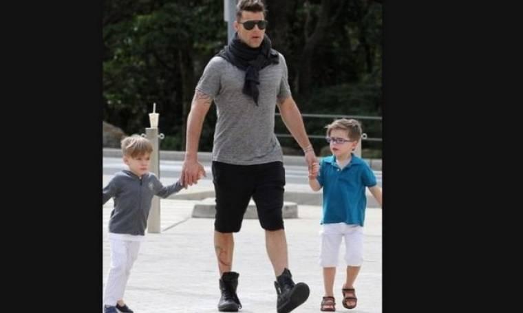 Ο Ricky Martin στο ζωολογικό κήπο με τους γιους του