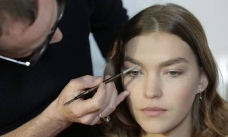 Backstage beauty: Το διάφανο μακιγιάζ στο show της Isabel Marant